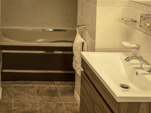 Apartment III-Bathroom-Image I